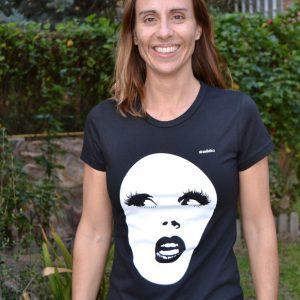 camiseta negra diseño strambótica algodón orgánico