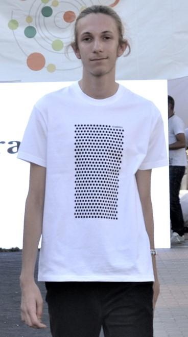 Camiseta ecológica hombre lunares